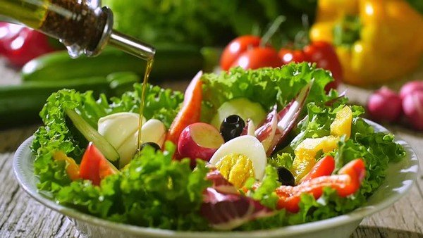 Salad rau củ luộc để giảm cân